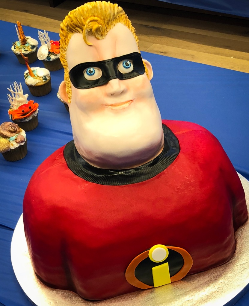 Cake in the form of Bob Par or Mr. Incredible